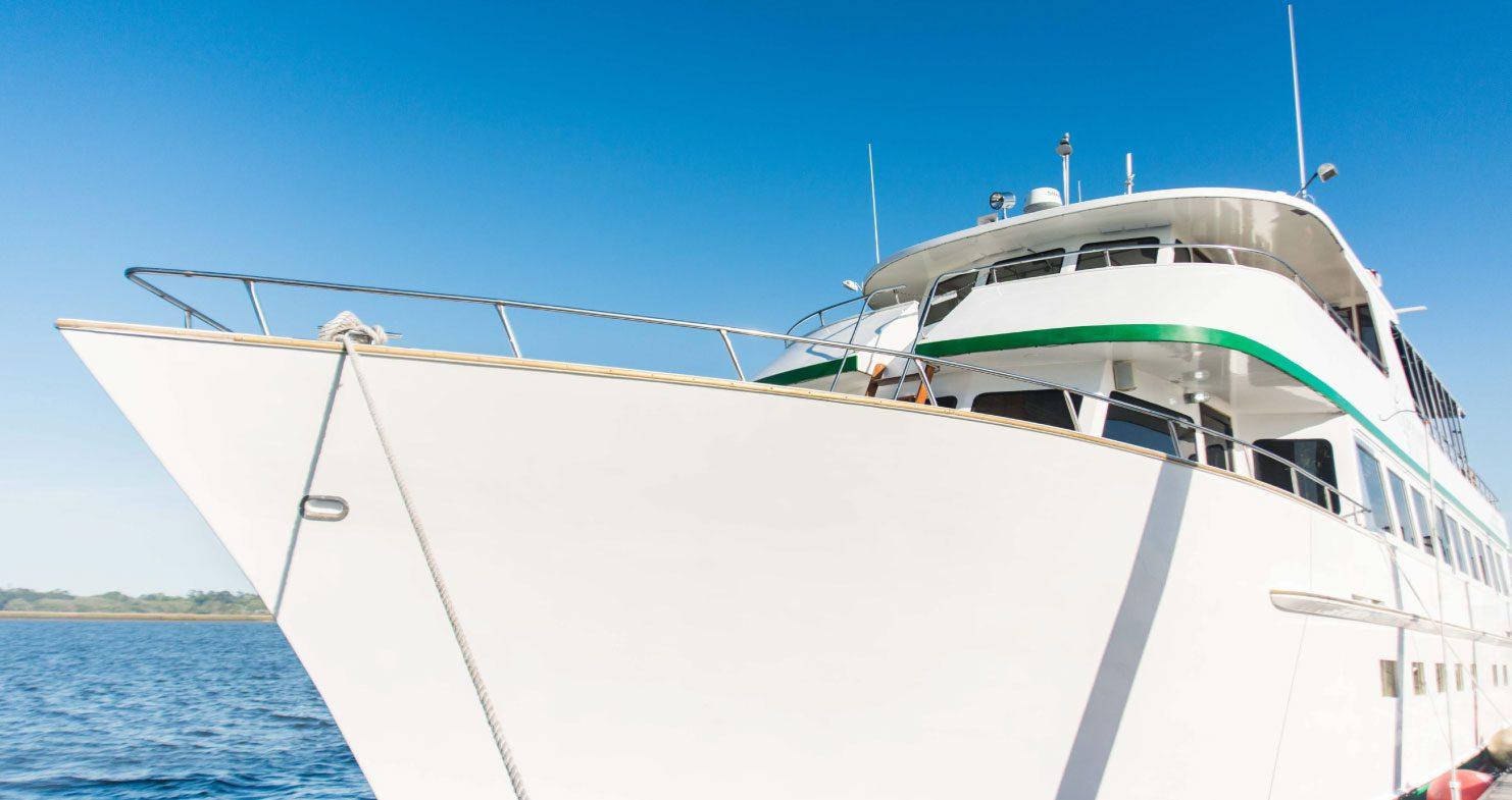 Virtual Tour Exterior of The Carolina Girl event yacht